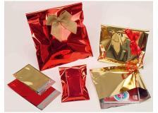 50 buste regalo in ppl metal lucido 20x35+5cm rosso con patella adesiva - Z11356