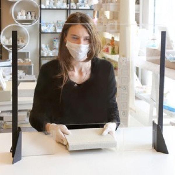 Schermo protettivo da scrivania SENZA feritoia H56xL66cm in acrilico grigio all. - Z15976